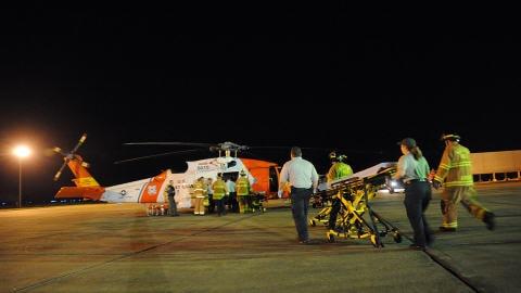 Une explosion sur une plate-forme de forage dans le Golfe du Mexique. Les secours s'organisent, notamment à partir de la Nouvelle-Orléans.