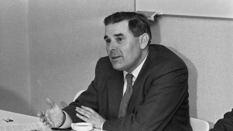 Une photo datant du 19 décembre 1984 de Roger Vangheluwe après sa nomination comme évêque de Bruges.