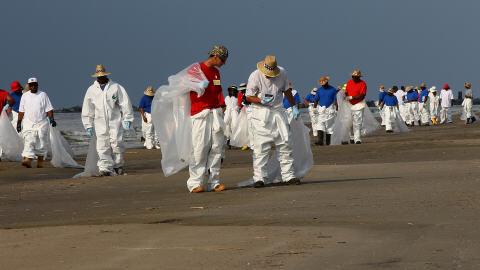 Nettoyage d'une plage