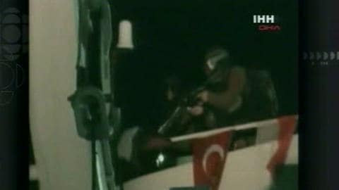 L'armée israélienne lance un raid sanglant contre une flottille d'aide humanitaire pour les Palestiniens de Gaza.