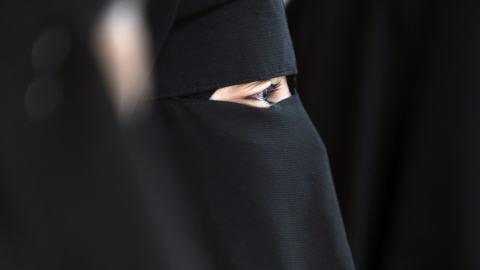 Femme portant un niqab