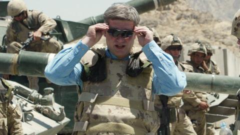 Stephen Harper, lors d'une visite en Afghanistan en 2007.