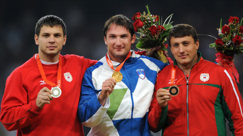 Vadim Devyatovskiy (gauche) et Ivan Tsikhan (droite)