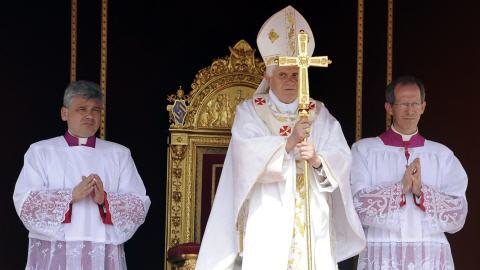 Le pape Benoît XVI a présenté ses excuses place Saint-Pierre.
