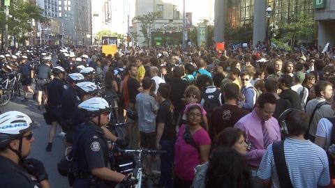 Plusieurs centaines de manifestants ont dénoncé les arrestations du week-end.