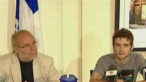 Le député Guy André en compagnie de Andrew Groarke