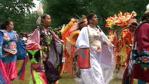 Le traditionnel pow-wow à Kahnawake
