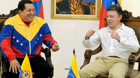 Hugo Chavez et Manuel Santos lors de leur rencontre à Santa Marta