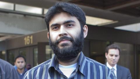 Misbahuddin Ahmed, à sa sortie du tribunal d'Ottawa, le 28 septembre 2010.