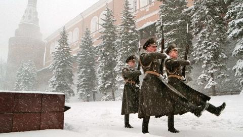 Des gardes défilent devant le Kremlin. (archives)