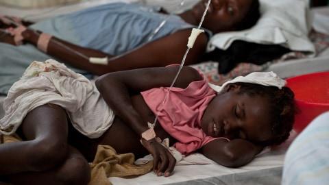 Une fillette atteinte du choléra