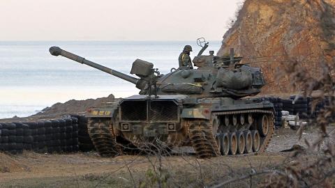 Un char sud-coréen sur l'île de Yeonpyeong