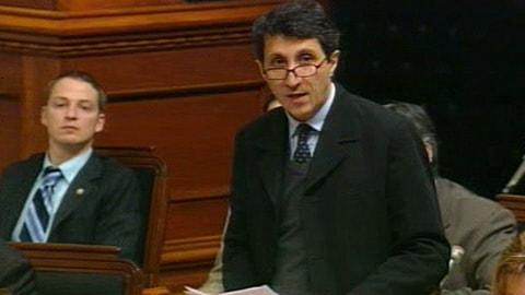 Amir Khadir présente sa motion pour réhabiliter Yves Michaud