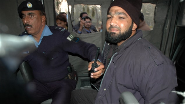 Le garde du corps de Salaam Taseer s'est rendu à la police sans offrir de résistance.
