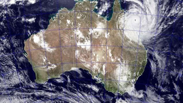 Cette photo de la NASA montre bien comment Yasi s'enligne sur le nord-est de l'Australie.