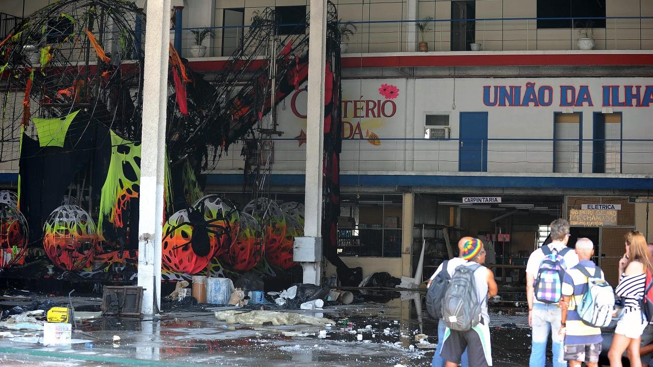 L'incendie a ravagé l'atelier de l'école Uniao da Ilha.