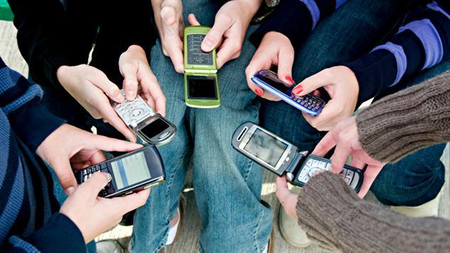podcamp-cellulaire-jeunes
