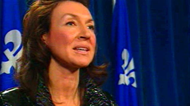 La ministre des Ressources naturelles Nathalie Normandeau, en conférence de presse le 2 mars 2010.