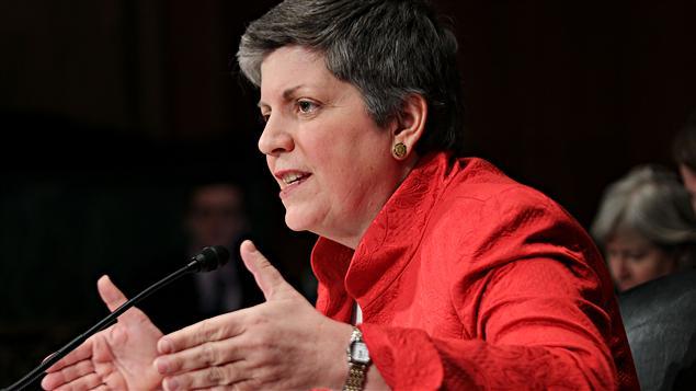 La secrétaire à la Sécurité intérieure, Janet Napolitano, comparaissant devant un comité sénatorial.