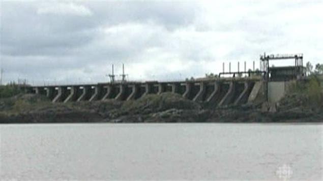 Barrage d'AbitibiBowater d'Iroquois Falls