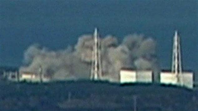 Centrale nucléaire japonaise en feu