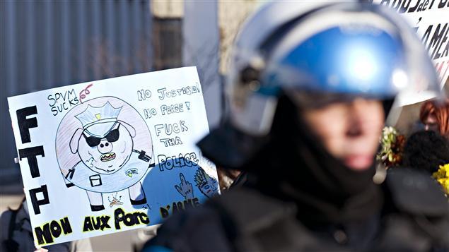 Manifestation contre la brutalité policière à Montréal, le 15 mars 2011.