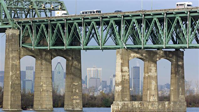 Le pont Champlain à Montréal
