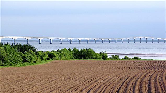 Pont de la Confédération vu de l'Î.-P.-É.