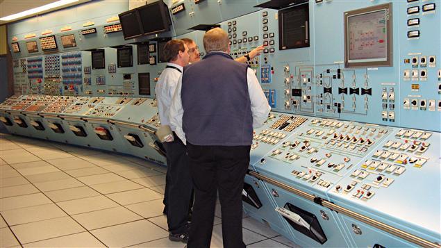 Des employés d'Énergie Nouveau-Brunswick à la centrale de Point Lepreau.