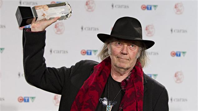 Neil Young a remporté un Juno pour l'album alternatif adulte de l'année.