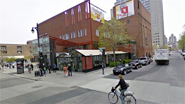 Le Théâtre du Nouveau Monde, rue Sainte-Catherine