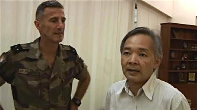 L'ambassadeur japonais Okamura Yoshifumi a été exfiltré par la force Licorne. Photo fournie par l'armée française.