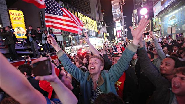 Manifestations de joie à Times Square