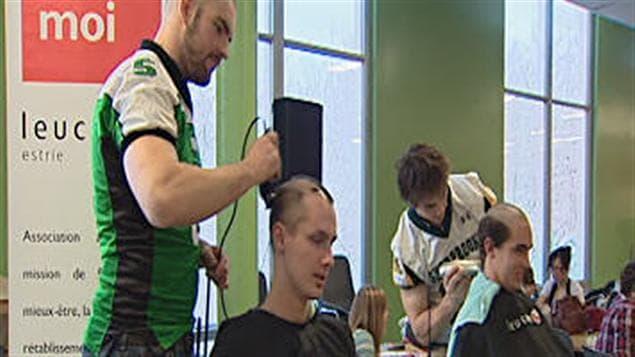 Le Défi des têtes rasées organisé par les Volontaires du Cégep de Sherbrooke.
