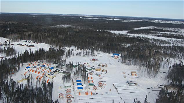 Camp de prospecteurs miniers de la compagnie Noront dans le Cercle de feu