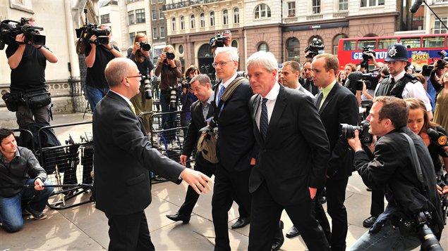 Julian Assange, à son arrivée à la Haute Cour de Londres, le 12 juillet 2011.