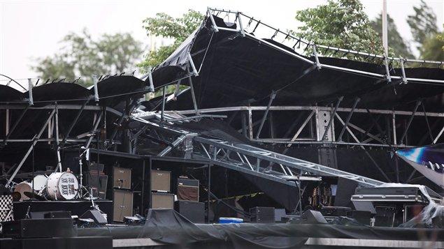 Scène effondrée au Bluesfest