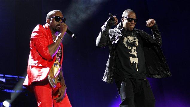 Les rappeurs Kanye West et Jay-Z, lors d'une performance à New York, en septembre 2010