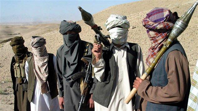 Des talibans afghans en octobre 2006