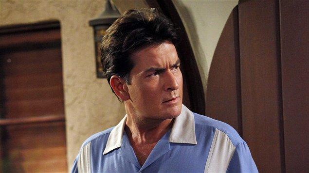 Charlie Sheen dans la comédie télévisée Mon oncle Charlie