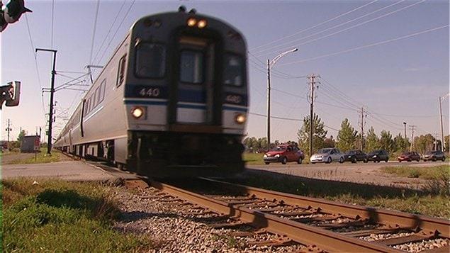 Un train de l'Agence métropolitaine de transport