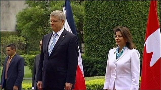 Le premier ministre Stephen Harper et la présidente du Costa Rica Laura Chinchilla