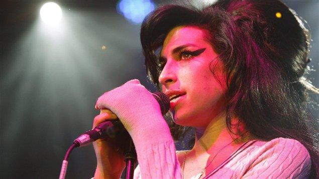 La chanteuse Amy Winehouse, en spectacle en Suisse (2007)