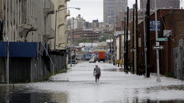Des rues de Brooklyn inondées après le passage d'Irene.