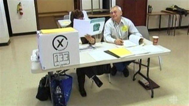 Bureau de scrutin en Ontario