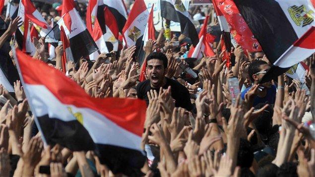 Des milliers d'Égyptiens sont descendus place Tharir le 9 septembre 2011 pour réclamer un échéancier précis en vue de l'instauration de la démocratie.