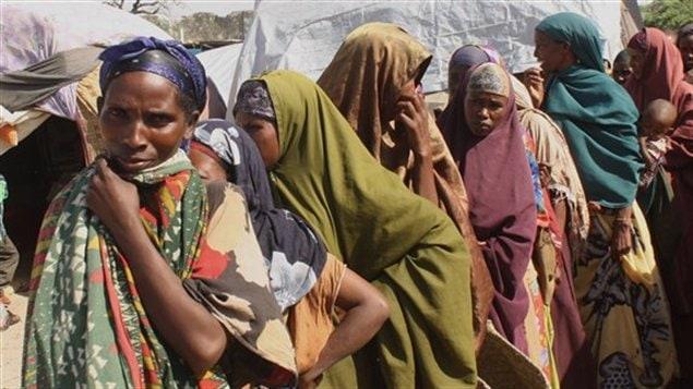 File d'attente pour de la nourriture en Somalie