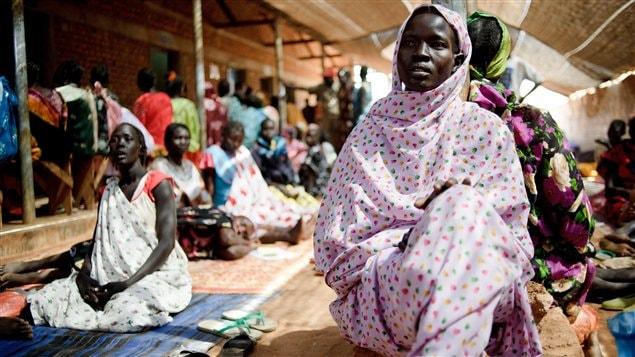 Des Soudanaises enceintes attendent une consultation dans une clinique de Médecins sans frontières (archives)