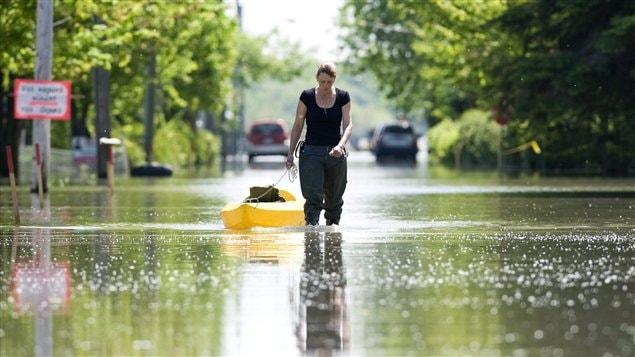 Les changements climatiques engendreront de plus en plus d'inondations, comme celles survenues dans la région dans le sud du Québec le printemps dernier.