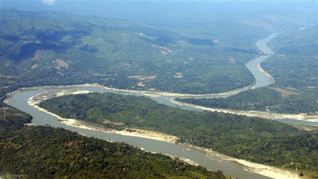 Le fleuve Irrawady, dans l'État kachin.